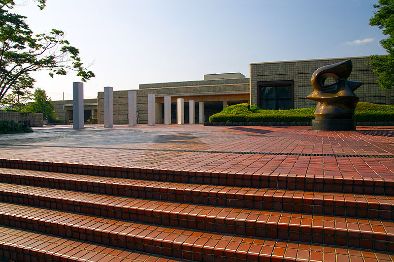 800px-The_miyagi_museum_of_art01s3872