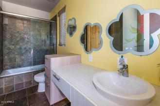 Some love and TLC will get this Scottsdale home poppin in the 85281 10