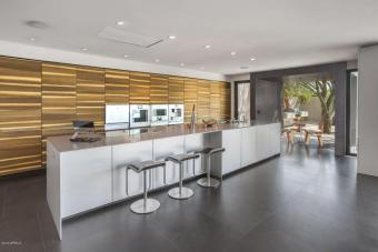 ultra-chic-modern-home-in-scottsdale-2