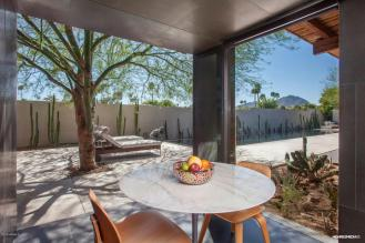 ultra-chic-modern-home-in-scottsdale-5