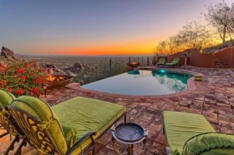carefree-az-home-built-into-mountains-boulders-2