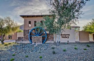 This Pulte Homes in STETSON VALLEY is the total package 17