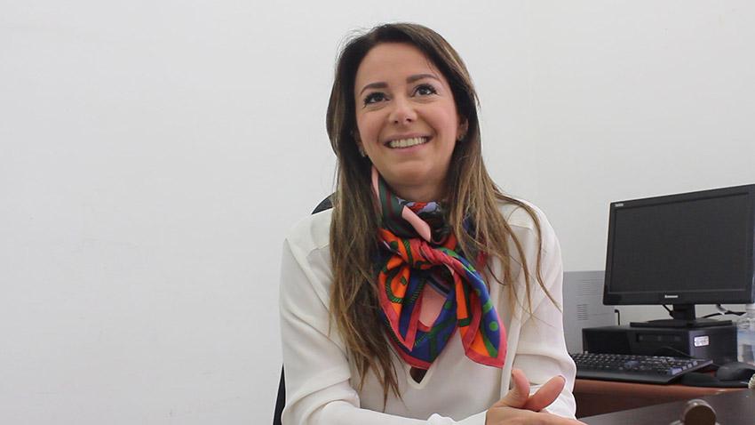 Promotora Silvia Chakian