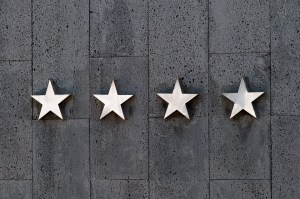 four stars representing customer service  - by exploring cutomers' reviews you can avoid fraudulent moving companies