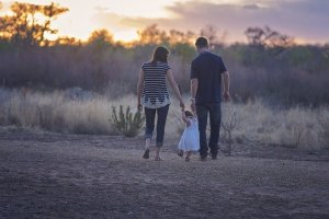 Family - Learn how to prepare for moving from Rhode Island to Arizona with family.