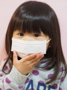 マスクをした女の子