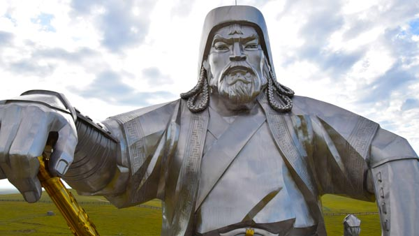 statua equestre di Gengis Khan mongolia tour asia personalizza personalize Tsonjin Boldog cavallo horse Genghis Khan Statue Complex Genghis Khan Equestrian Statue Ulaanbaatar horseback
