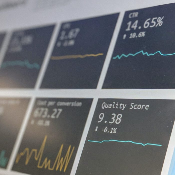 8 Easy Steps to Creating a Competitive Landscape Analysis