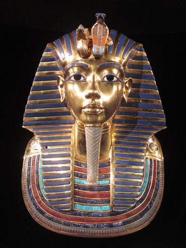 Makam raja mesir dihias dengan emas