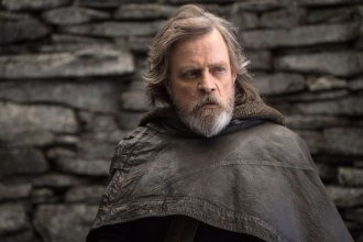 Star Wars: The Last Jedi..Luke Skywalker (Mark Hamill)..Photo: John Wilson..©2017 Lucasfilm Ltd. All Rights Reserved.