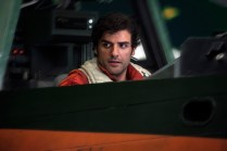 Star Wars: The Last Jedi..Poe Dameron (Oscar Isaac)..Photo: Jonathan Olley..©2017 Lucasfilm Ltd. All Rights Reserved.