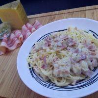 Espaguetis a la carbonara versión española