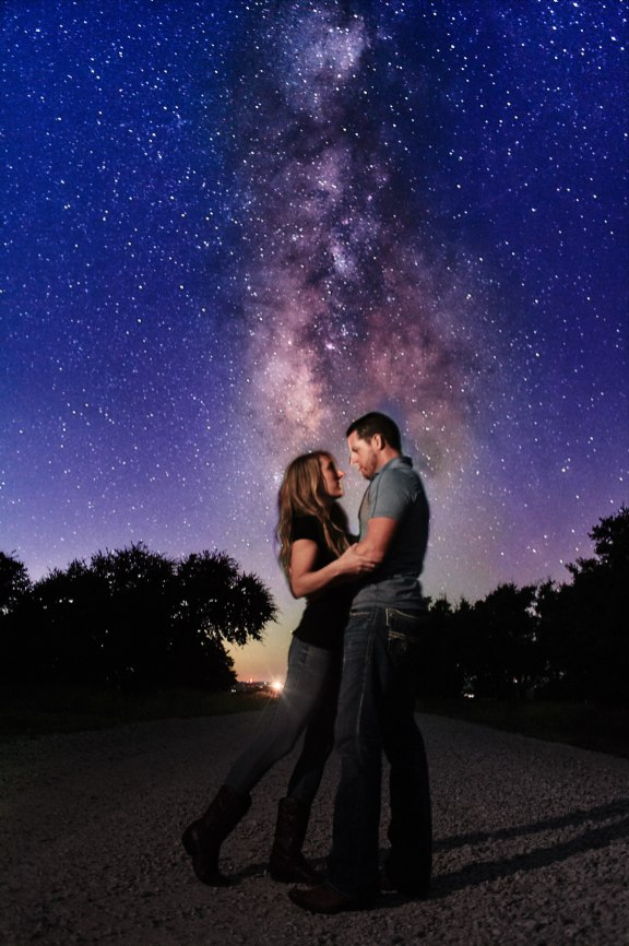 Engagement Photos Under the Stars