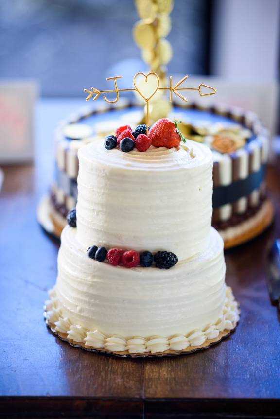 Antebellum Oaks Wedding - Austin Wedding Photographer - Jacob and Katie - hill country wedding - wedding cake - fun wedding cake ideas - picture of wedding cakes details