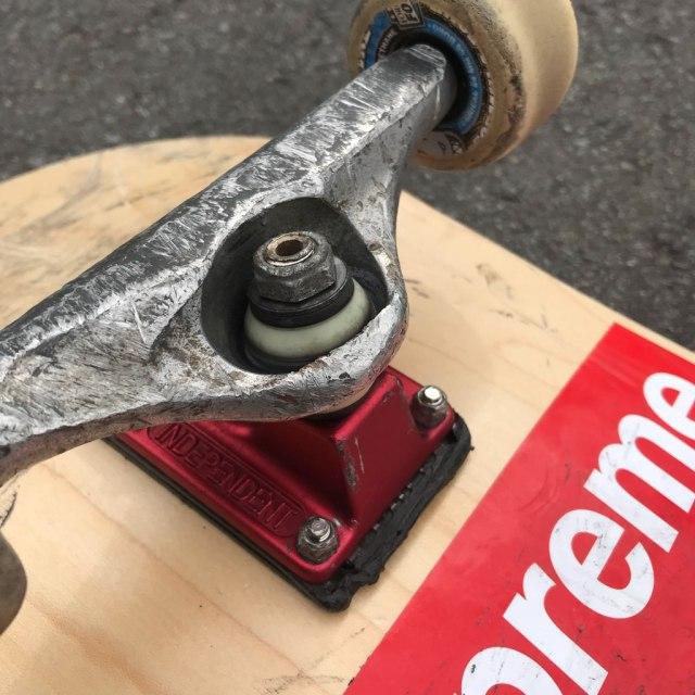 kingpin, skateboard, キングピン, スケボー, スケートボード, 交換,折れる