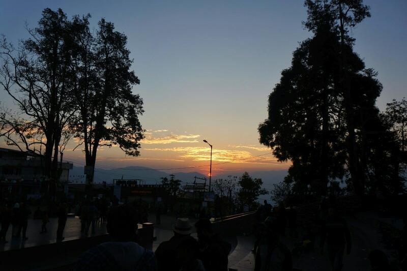 honeymoon in Darjeeling - Darjeeling mall sunset