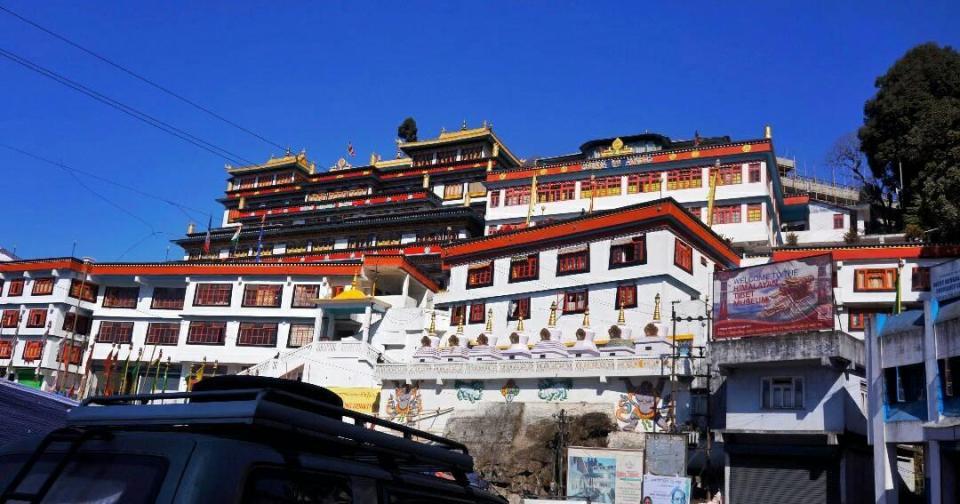 Places to visit in Darjeeling 3- The Azure Sky Follows - Tania Mukherjee