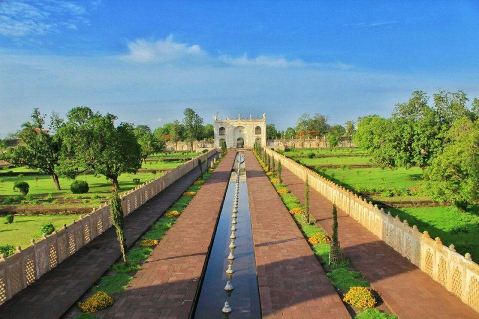 Aurangabad Taj Mahal 36 Bibi ka Maqbara Aurangabad Azure Sky Follows Tania