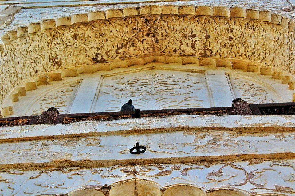 Aurangabad Taj Mahal 56 Bibi ka Maqbara Aurangabad Azure Sky Follows Tania