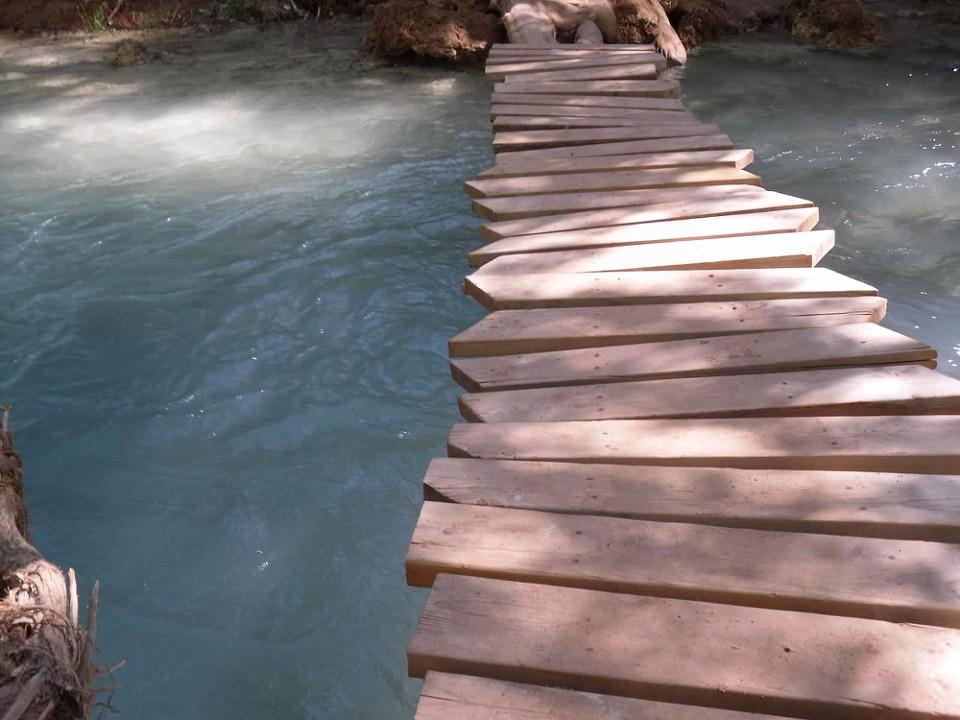 havasupi-wood-bridge