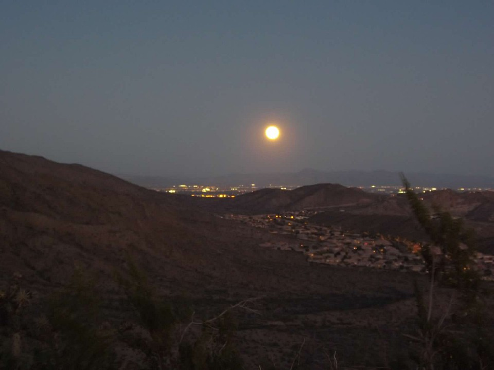 Hike-by-moonlight-2