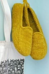 Calzado tejido: mocasines en color mostaza