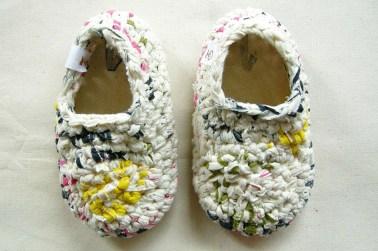Zapatos tejidos con descartes textiles, por Plantamor