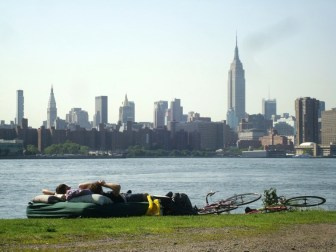 En el Williamsburg water front, Brooklyn