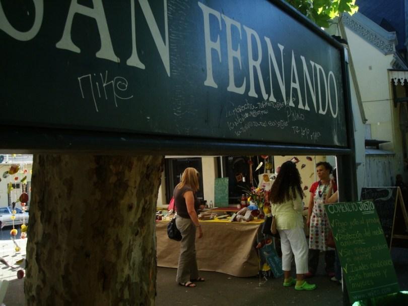 Foto del bar del Mercado de productores de San Fernando