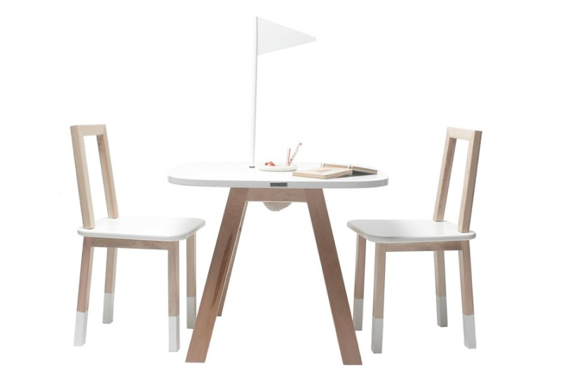 Foto de mesa y sillas para niños de Krethaus