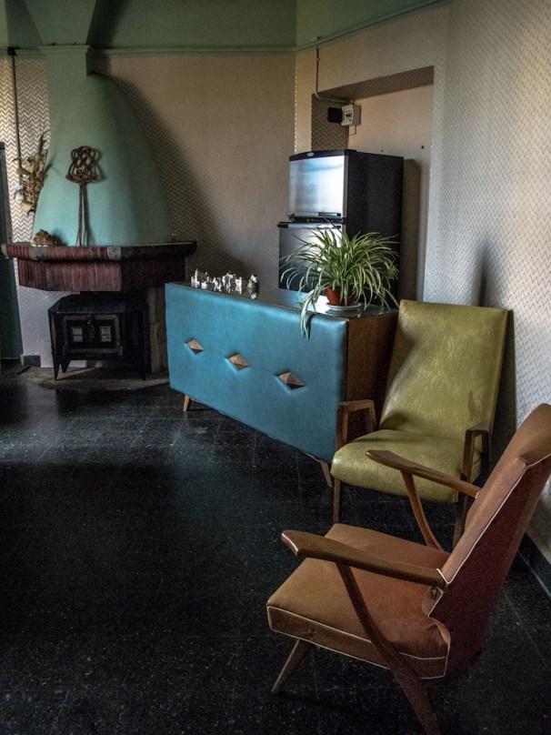 Salón living con barra de Mundo Dios en Mar del Plata. Foto