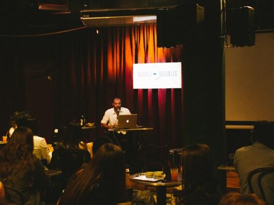 Audiencia escucha a Martín Churba en Los Notables. Foto