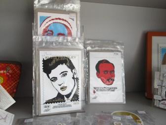 Postales de Cherman en la tienda del MAC. Foto