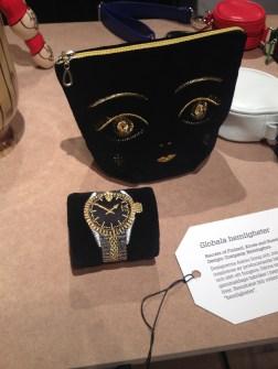 Bolso y pulsera bordados en Form/Design center en Malmo. Foto