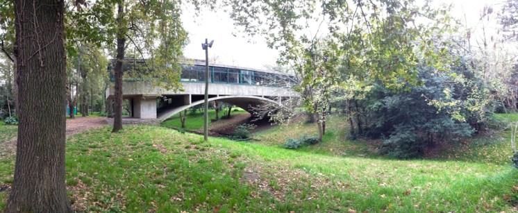 Panorámica de la Casa sobre el arroyo o Casa del puente de Amancio Williams. Foto