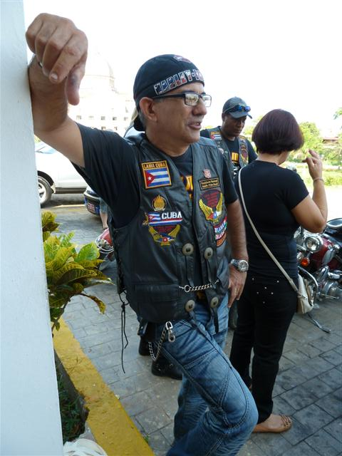 cuban-bikers07