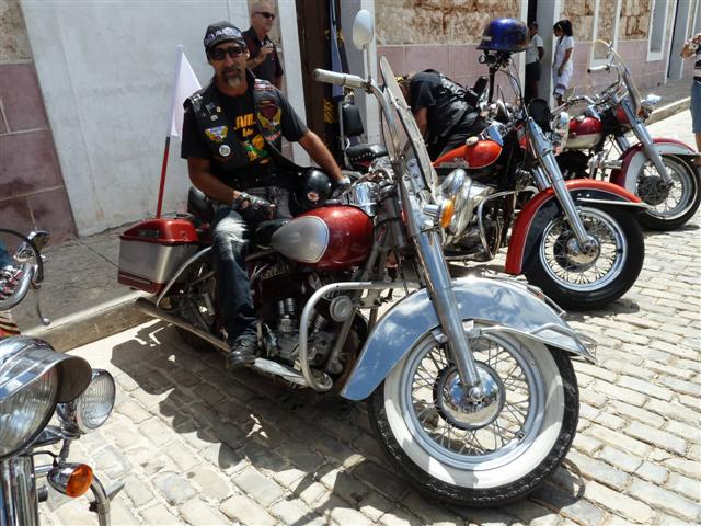 cuban-bikers16