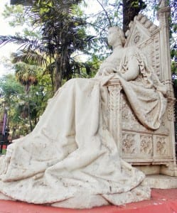 BDL exhibits: Statue of Queen Victoria elegantly placed in BDL museum premise.