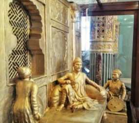 BDL Museum exhibits: Model depicting Shivaji Maharaj, the 17th century great Maratha warrior King planning to escape from house arrest, ordered by the Mughal King Aurangzeb. Photo courtesy: Aditya Chichkar.