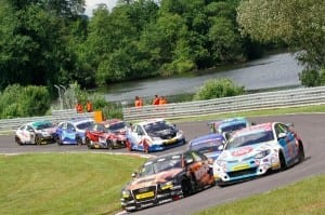 btcc-oulton-park-in-the-dry