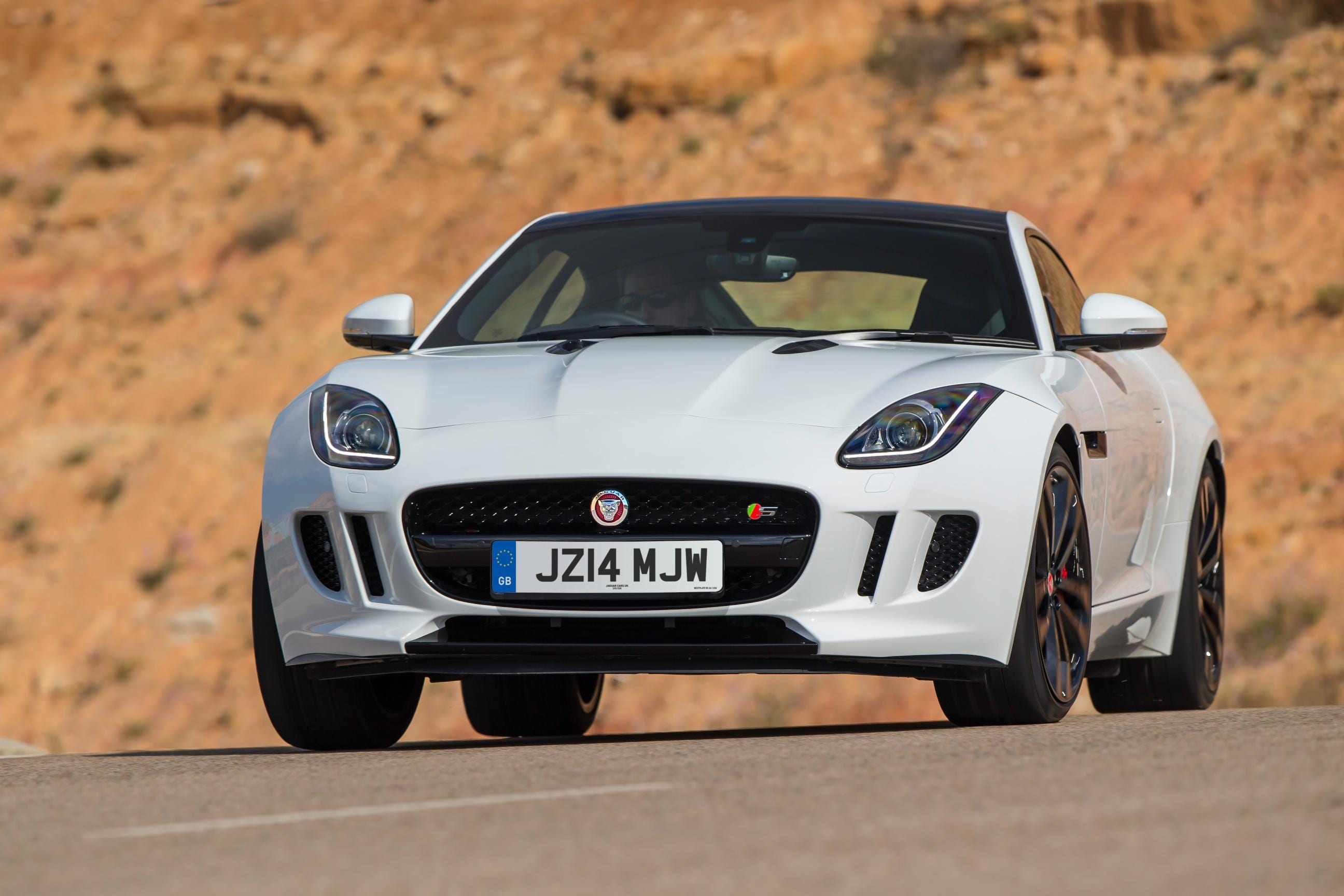 834013_JAG_F-TYPE_V6S_Polaris_White_005