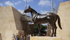 the 3 legged horse now re-located