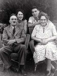 Pat with her parents and brother
