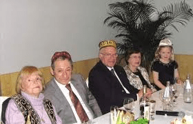 Former Malta President Dr Ugo Mifsud Bonnici and his wife (centre) at a Jewish Passover Seder at the Malta Hilton