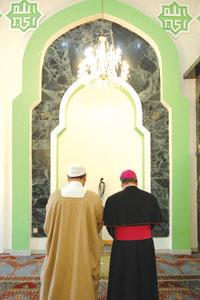 Archbishop and Muslim Imam offer a joint-prayer for world peace in Malta mosque