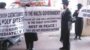 The Jewish community in Malta protests against the proposed development of new buildings on old Jewish graves at the Rabat Catacombs