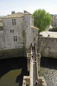 Visit of the walls of Aigues Mortes