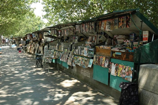 Other bouquinistes on the Seine banks