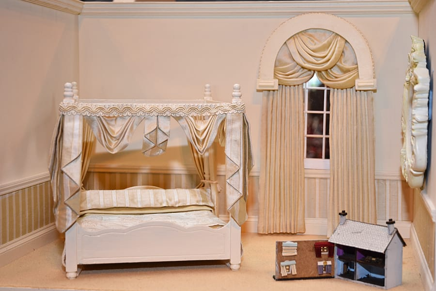 a-dolls-house-within-a-dolls-house