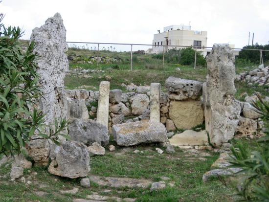-maltas-oldest-prehistoric-skorba-temple-at-zebbiegh-dated-5000-bc